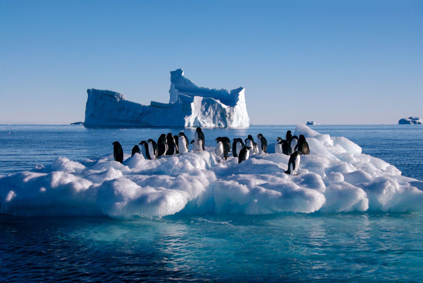 Óriási jéghegy