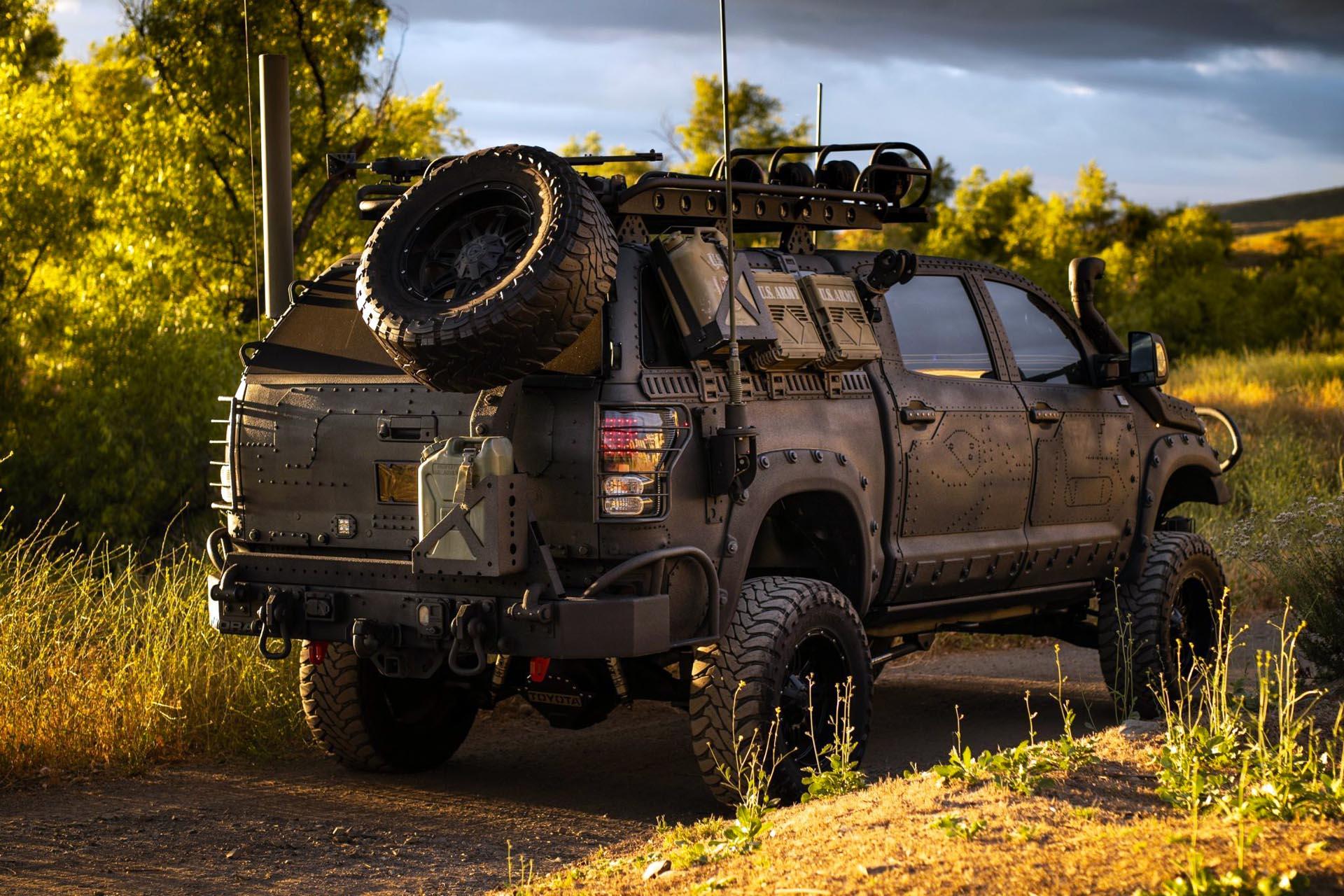2013_toyota_custom_military_expedition_style_tundra_159222981591cd63fce5c3655bimg_7025-scaled