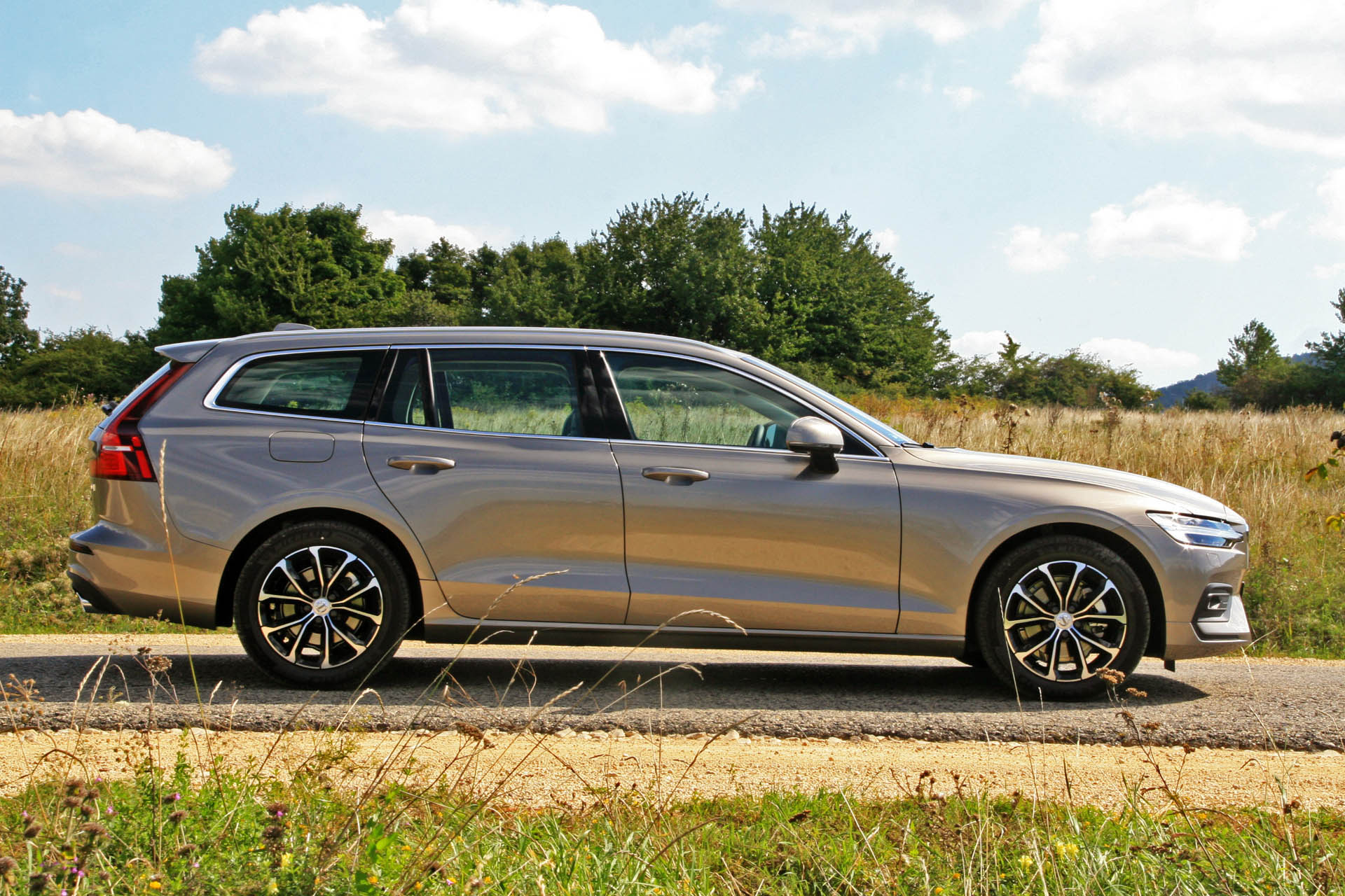 volvov60d4momentum2018gy